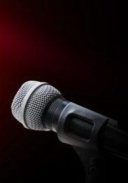 shutterstock_284074325-microphone-2